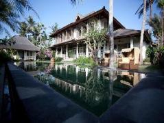 Villa Saparua, Indonesia