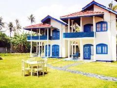 Lace Rock Beach Cabanas | Sri Lanka Budget Hotels