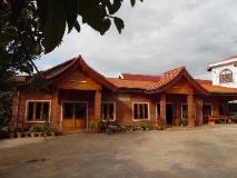 Duangkeomany Hotel: exterior
