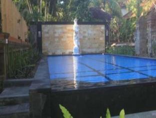 谷能摩塔小木屋 峇里島 - 游泳池