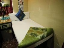 Tokyo Hostel: single bed for one person