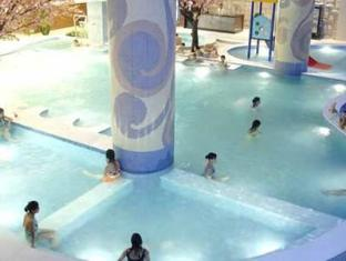 東莞銀色假日酒店 東莞 - 游泳池