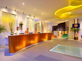 HARRIS Hotel & Residences Sunset Road Bali - Reception