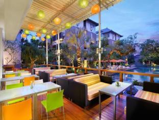 HARRIS Hotel & Residences Sunset Road Bali - Harris Cafe