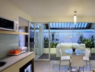 HARRIS Hotel & Residences Sunset Road Bali - Guest Room