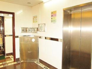 Garden Guest House - Las Vegas Group Hostels HK Hong Kong - Hotel Lift Lobby