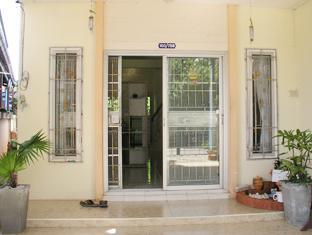 Serene Guest House Suratthani - Entrance
