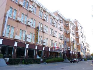 Motel 168 Shanghai Disney Pudong Airport Jinhui Branch
