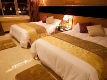 Jun Long Business Hotel: guest room