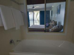 Rose Bay Resort Whitsunday Islands - חדר אמבטיה