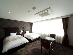 /ko-kr/hotel-sunline-fukuoka-hakata-ekimae/hotel/fukuoka-jp.html?asq=GzqUV4wLlkPaKVYTY1gfioBsBV8HF1ua40ZAYPUqHSa9J0xC31XBBzuBZ3FoP20YO4X7LM%2fhMJowx7ZPqPly3A%3d%3d