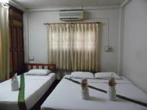 Nana Guest House: guest room