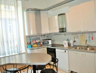 Home Hotel At Kamergersky Pereulok Moscow - Kitchen