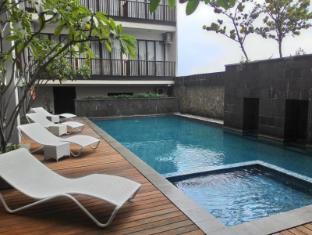 Horison Bogor Hotel Bogor - Teratai Swimming Pool