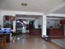 Banna Plain Of Jars House: interior