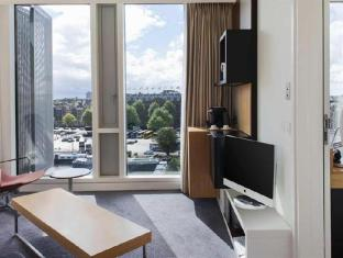 DoubleTree by Hilton Hotel Amsterdam Centraal Station Amsterdam - Business Center