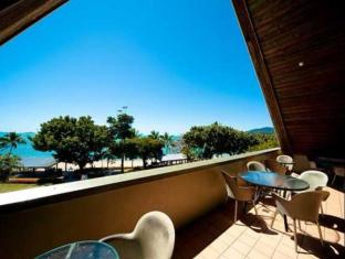 Airlie Waterfront Backpackers Whitsunday Islands - מרפסת