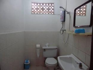 Heuan Lao Guesthouse Vientián - Baño