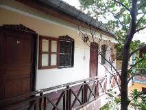 Heuan Lao Guesthouse: balcony/terrace