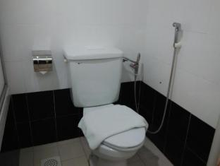 WANA Riverside Hotel Malacca - Comfortable Bathroom