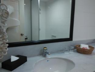 WANA Riverside Hotel Malacca - Toilet