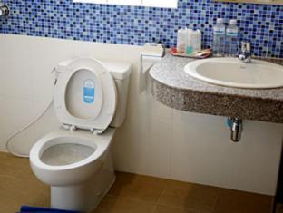 Naithon Beach Mansion Phuket - Good Size Bathrooms