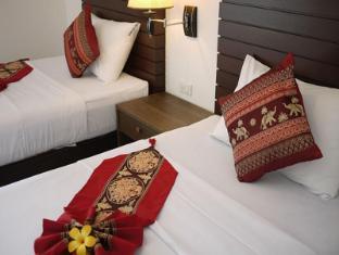 Naithon Beach Mansion Phuket - Twin Bedroom