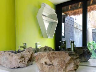 Voyager Boutique Creative Retreat Bali Bali - Merapi Room double vanity