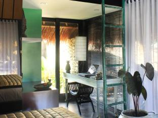 Voyager Boutique Creative Retreat Bali Bali - Mahameru Room Desk Area