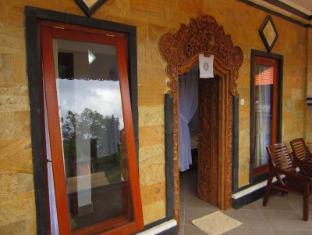 Nitya Homestay Lembongan Bali - Balcony/Terrace