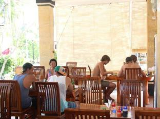Nitya Homestay Lembongan Bali - Restaurant
