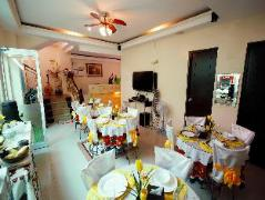 Piazza Luna Tower | Philippines Budget Hotels