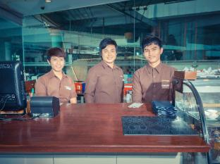 Zing Resort & Spa Pattaya - Kafić