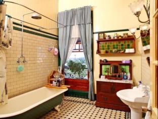 Franklin Villa Brisbane - Bathroom