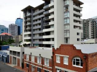 Frisco Serviced Apartments Brisbane - Exterior