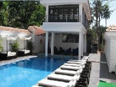 Silver Sands Hideaway Hotel | India Budget Hotels