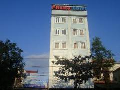 Praha Hotel | Vinh Budget Hotels