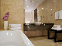 Nassima Tower Hotel Apartments: bathroom