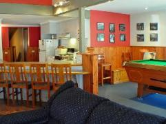 Crystal Brook Geebung Road Private Holiday Chalet