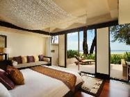 Вилла с 2 спальнями, бассейном и прямым видом на океан