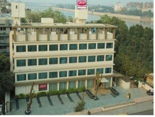 /always-hotel-riverview/hotel/ahmedabad-in.html?asq=jGXBHFvRg5Z51Emf%2fbXG4w%3d%3d