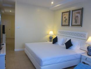 Lido Beach Hotel Pattaya - 3 Bedroom Suite