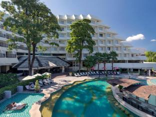 Andaman Embrace Resort & Spa Patong Beach Пхукет - Бассейн