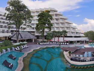 Andaman Embrace Resort & Spa Patong Beach פוקט - בריכת שחיה