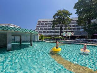 Andaman Embrace Resort & Spa Patong Beach Пхукет - Басейн