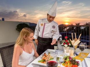 Andaman Embrace Resort & Spa Patong Beach Phuket - Restaurace