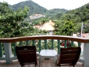 Hilltop Hotel Phuket - Standard room - Balcony