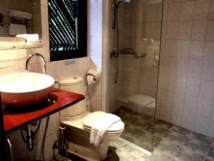 Hilltop Hotel Phuket - Deluxe room - Bathroom