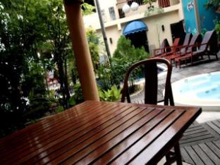 Hilltop Hotel Phuket - Deluxe room - Balcony