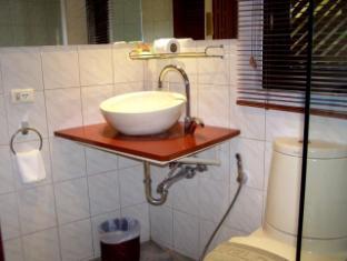Hilltop Hotel Phuket - Deluxe Plus - Bathroom